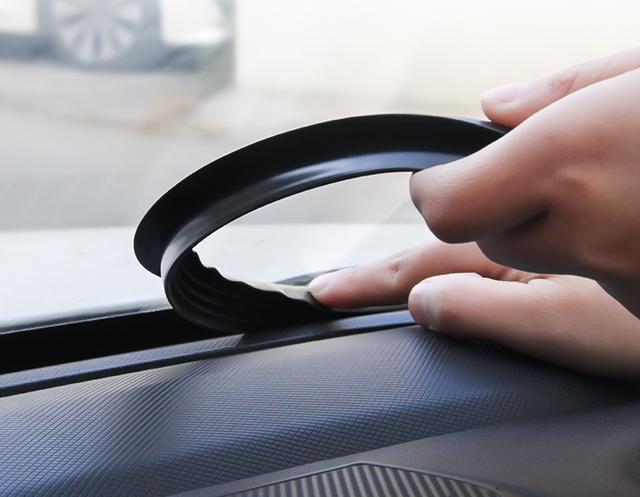 """车子装上一根""""黑胶条"""",汽车上高速零噪音,五一出行让你倍自信"""