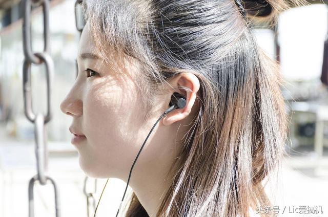 跑步用这款耳机,超长待机不累赘