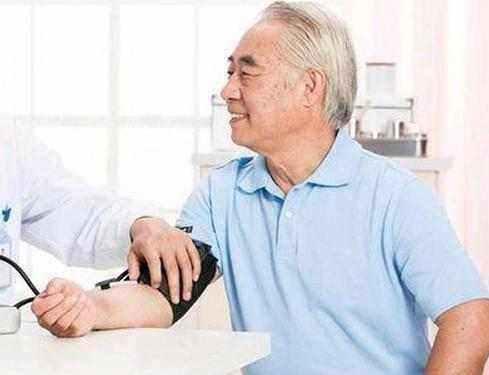 高血压还发愁?这些降压小食材,每天吃一点,血压平稳降