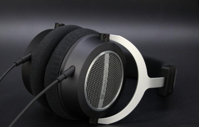 追求音质的道路上,买副HiFi耳机讨好自己的耳朵吧!