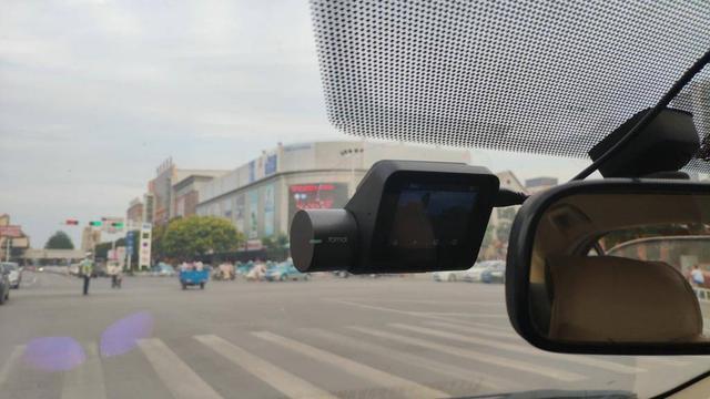 可以媲美运动相机,70迈推出299元高性价比行车记录仪