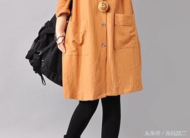哇!一件几十的棉麻裙,竟可以穿得这么美,十件大衣都被比下去了