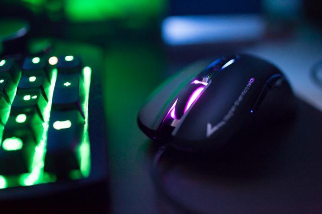 G90又升级,这次更轻更猛烈,富勒G90EVO游戏鼠标上手体验