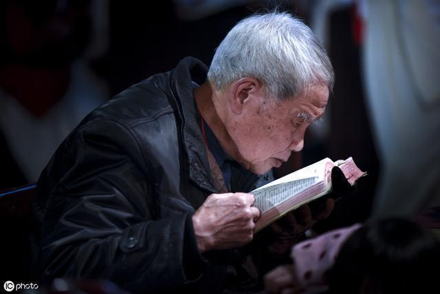 中国将告别老花镜!戴它,清清楚楚一目了然,退休老人必备