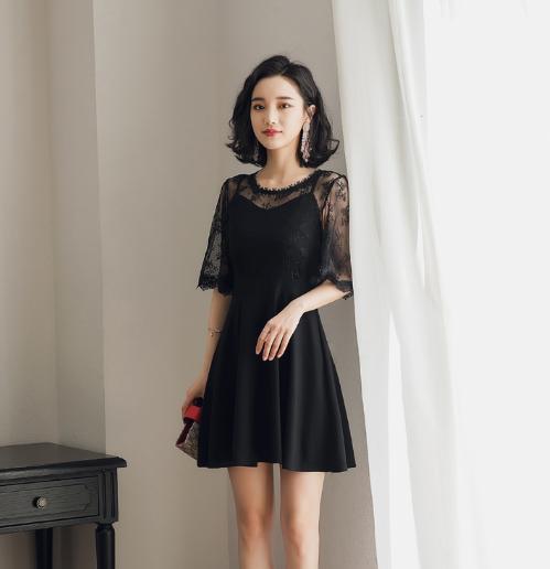 70后女人时髦连衣裙穿出明星范儿,优雅又迷人,打造女神高贵气质
