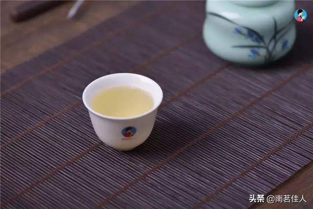 视频:掌握这些方法,泡出来的茶一杯鲜,二杯甜,三杯香犹存