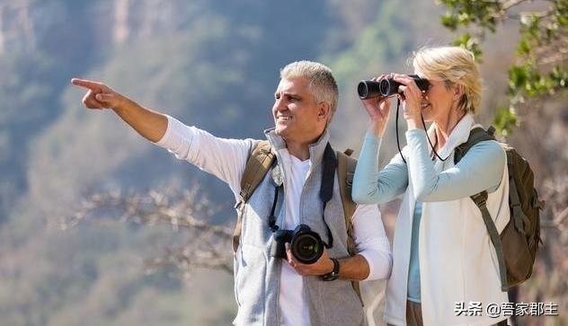 建议中老年人:不管到哪旅游,最好带上这5样,关键时刻作用大
