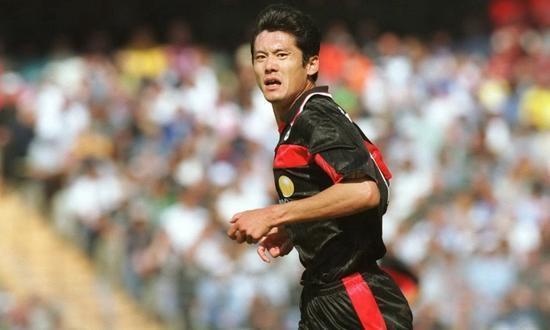 武磊进1球被吹上天!看看当年中国5大联赛第1人咋进球的,他就是神