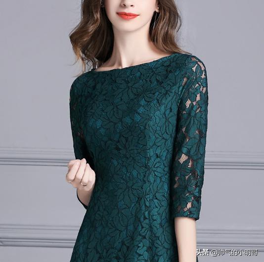 过35岁的女人看!今年这新式蕾丝春裙,时髦又舒适,洋气特减龄