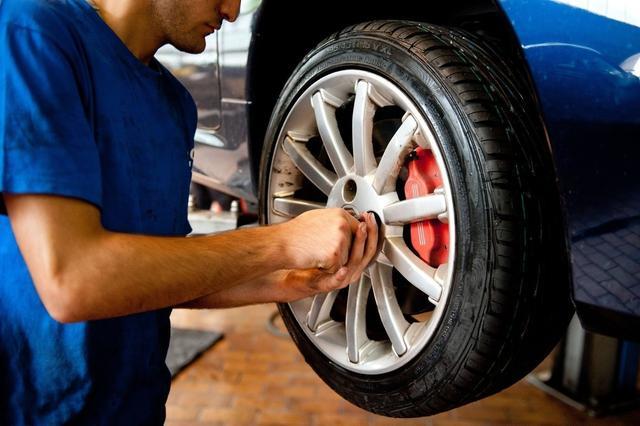 开车时汽车轮胎噪声太大?教你这么做,轻松降噪不伤轮胎