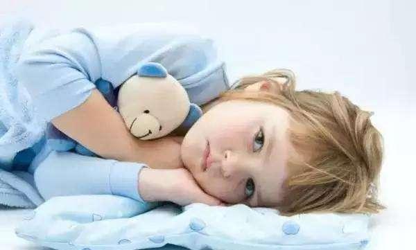 跟爸妈一起睡觉,和自己单独睡觉的孩子,长大后会出现哪些不同