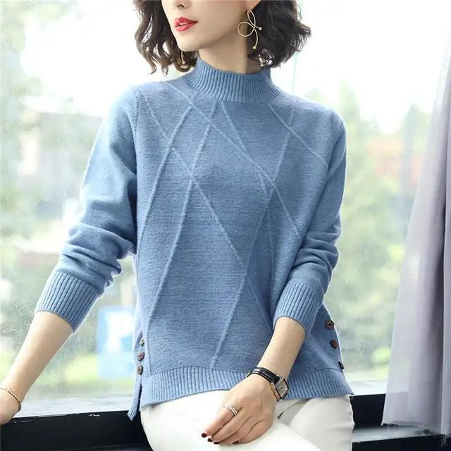 秋季不要乱搭配,现正流行针织衫,现在穿正合适,舒适百搭还洋气