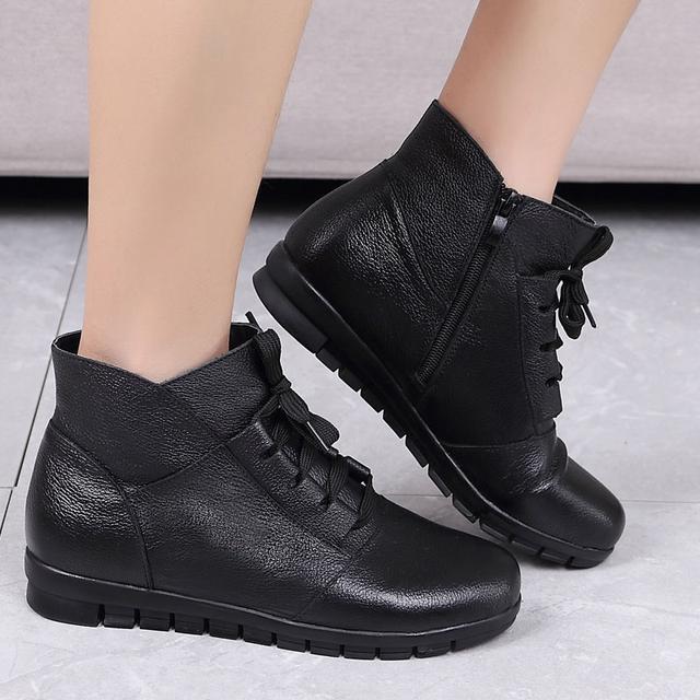 突然发现:今年流行妈妈鞋,建议40-64岁女人穿,柔软不磨脚