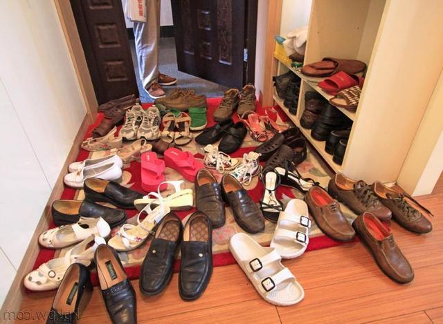 """以后我有房了!门口绝不装鞋柜,瞧瞧上海人""""新招"""",美观不占地"""