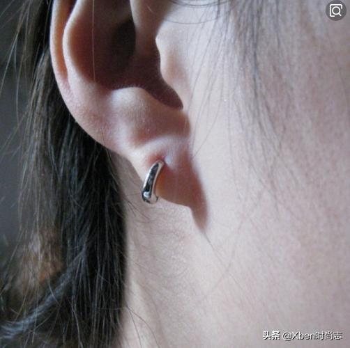 女人注意了:耳钉摘下来,耳洞会臭臭的别忽视,瞧瞧下面怎么说?