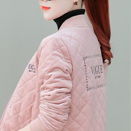 等我发工资,下面几件新款外套,一定全买,送妈妈穿,防寒又显嫩