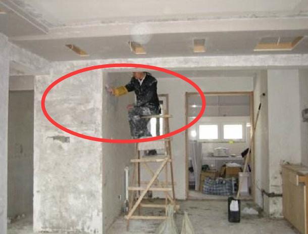 九成人房子墙壁还刮白腻子,太蠢!用一生活常见物,全屋省几万元