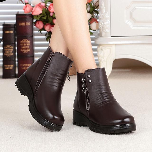 """谁说妈妈鞋土,瞧这几款""""广场舞鞋,让妈妈艳压群芳,同伴跟着买"""