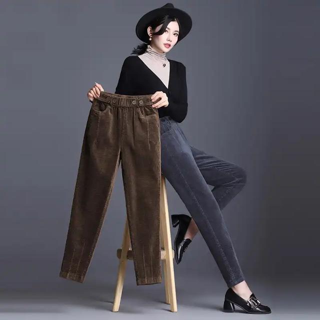 """今年主流一女裤,叫""""螺旋裤"""",秋冬季穿上,走路带风超有范"""