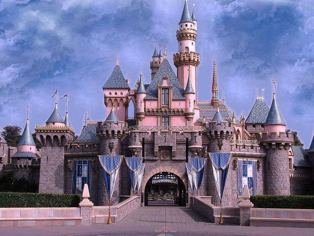 童年就要与童话相伴,乐高积木为孩子们搭建梦想的城堡!