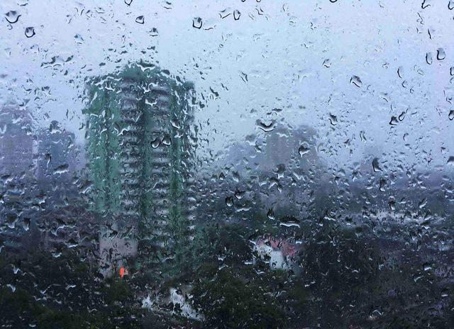 梅雨天干爽依旧,看除湿机该咋选?