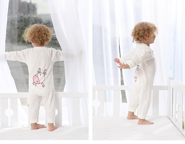 0到12个月宝宝的衣服如何选,给你这3点建议
