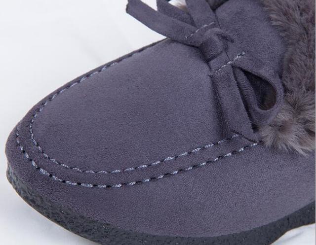 """短靴不受宠了!今年秋天流行""""奶奶鞋"""",舒适还不累脚"""