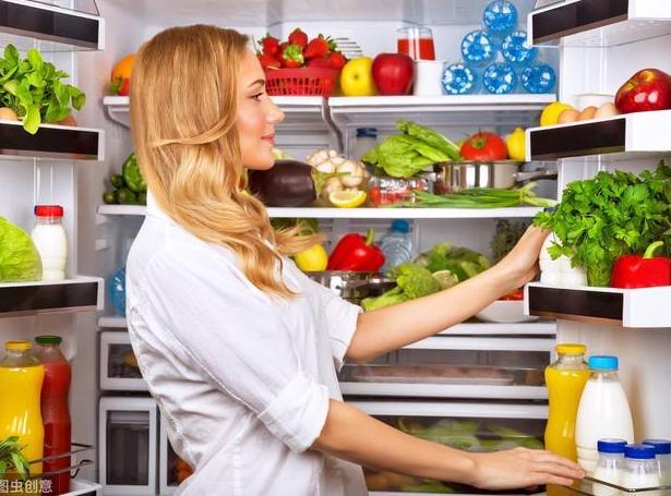 冰箱里不能放的4种食物,拿出来就要扔,很多主妇都忽视了