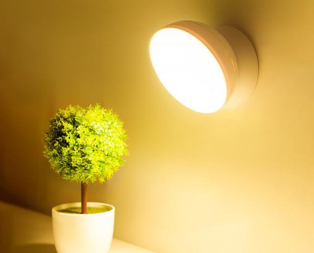 永别了电灯,我国又一新型灯泡1夜走红,免拉线,停电也能用