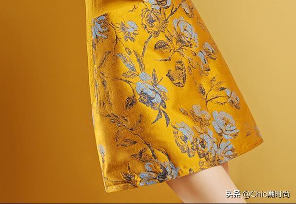 盘胯子女生,别穿哈伦裤了,新出这提花春裙,70后女人穿特迷人