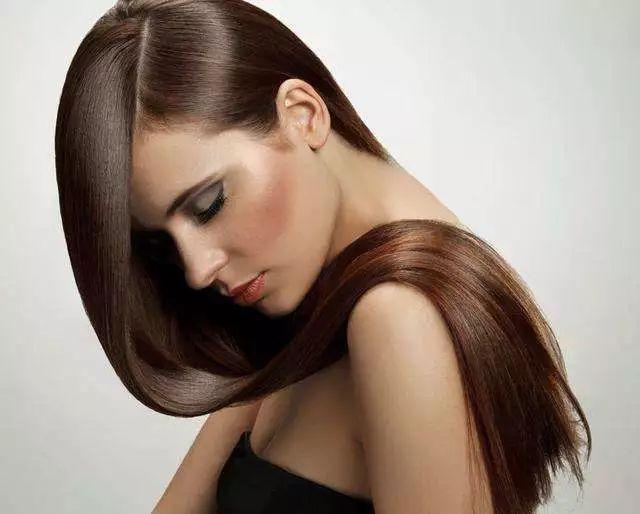 迪丽热巴究竟是什么仙女?脸蛋令人销魂,连秀发都浓密黑亮到抢镜