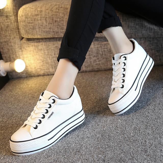 百搭小白鞋,让你穿出不同风格
