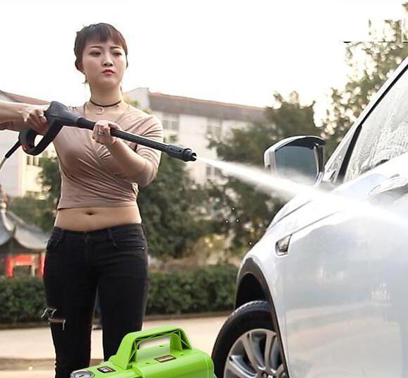 """高压泵不吃香了!换上""""洗车神器"""",自驾长途安全舒适,一尘不染"""