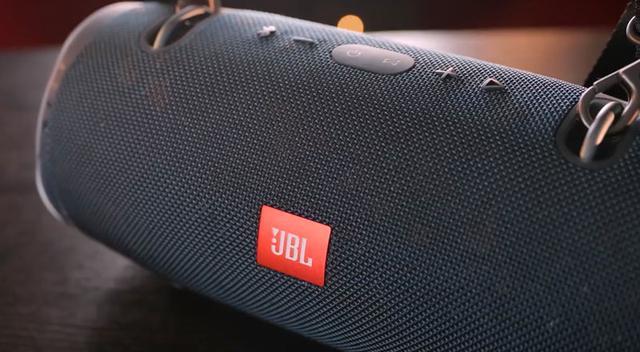 JBL战鼓2,防水的蓝牙音箱
