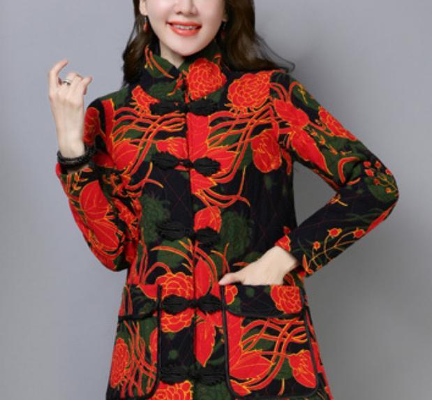 工资允许,建议给妈妈买这民族风外套,洋气又保暖,优雅有韵味
