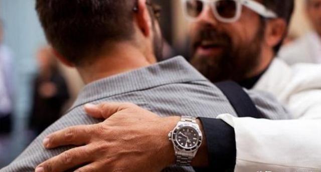 男人左手戴表的真正含义是什么?别什么都不懂,看完你就知道了