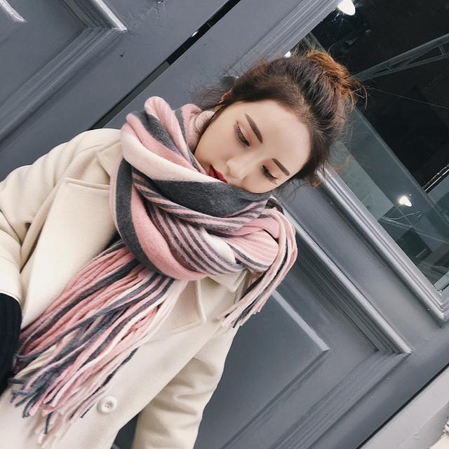 建议大家,女人冬天一定要有一条围巾,气质百搭,美的不可方物