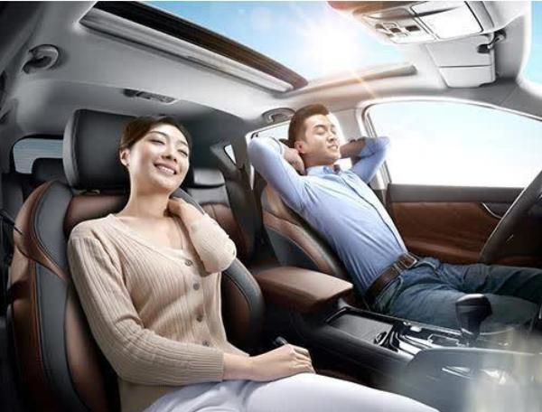建议男人:车内这位置别浪费,瞧老司机怎么做,自驾长途安全舒适