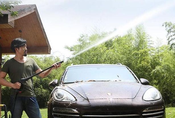 """""""新式洗车器一出,高压泵没戏了,冲车干净不伤漆,人人能上手"""