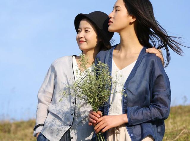 夏天热怎么办?新款棉麻单品穿出清凉感!40岁左右的女人穿显气质