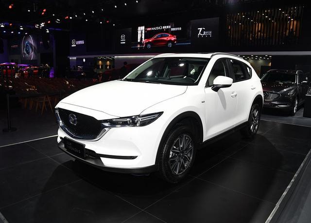 依旧是任性搭载2.5L自吸,以操控著称的日系SUV,售价20.98万