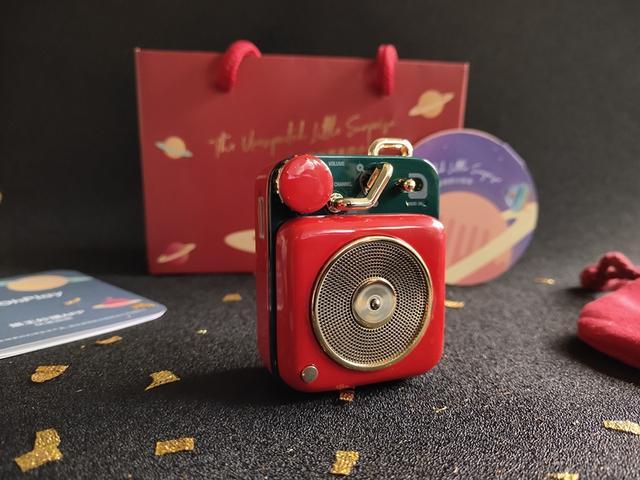 圣诞节萌物!掌心大小的音箱却拥有个性电台,售价298