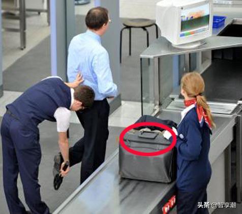 出国旅游只带护照?笨!导游再三提醒:这几样东西一定得带!
