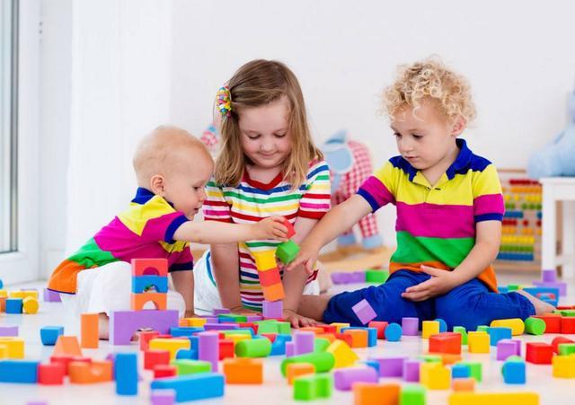 """玩玩具有风险,3岁女童不停流鼻血,后竟从鼻腔中拿出一只""""鞋"""""""