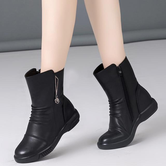 """今年12月份超流行这种""""妈妈鞋"""",出门穿太美了,舒适又不累脚"""